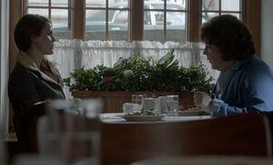S01E13-Liz Claudia meet.jpg