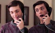 S06E02-Henry on phone