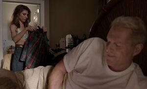 S04E01-Tori and Stan.jpg