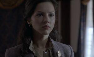 S01E12-Nina w pin.jpg