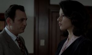 S01E13-Arkday warns Nina.jpg