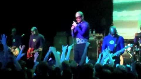 The Aquabats-Fashion Zombies (Live in Mesa.AZ at The Nile Theater 2 26 11)