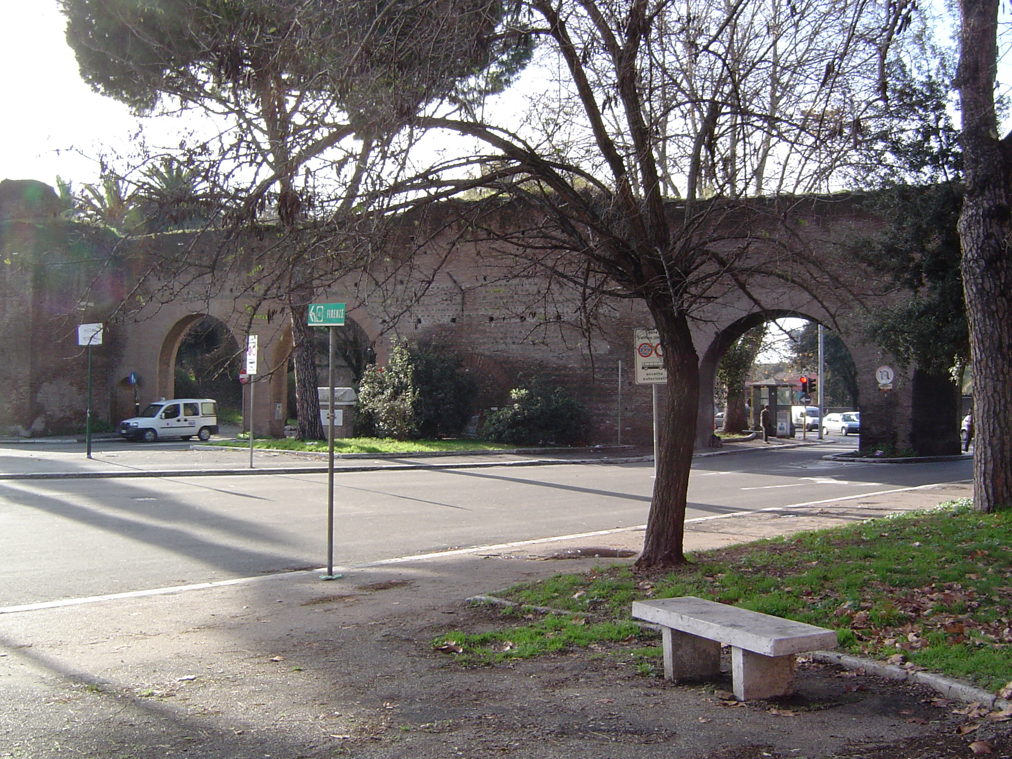 Puerta Metronia