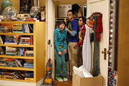 The-Jiminy-Conjecture-the-big-bang-theory-8194731-500-334