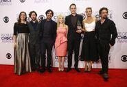 Cast-cbs-comedy-series-big-bang-theory-pose-their-award-favorite-tv-show