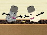 Blue's Clues Mrs. Pepper and Mr. Salt Gardening