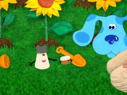 Blue's Clues Cinnamon Gardening