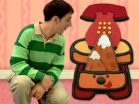 Blue's Clues Sidetable Drawer with Mountain Prop