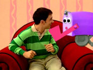 Blue's Clues Mailbox Pointing to Steve