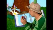 Steve drawing the third clue in Bugs