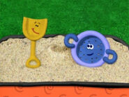 Blue's Clues Shovel and Sifter