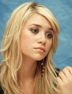 Ashley Olsen4