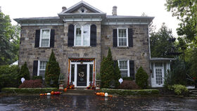Grey House4.jpg