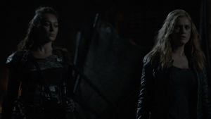 Resurrection 087 (Clarke and Lexa)