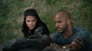The100 S3 Wanheda Part 2 Octavia Lincoln 2