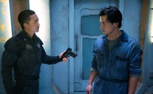 The 100 1x06 Commander Shumway and Bellamy