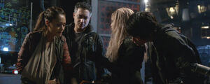 The-100-season-3-episode-12-pic 21