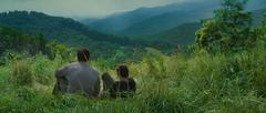 Gale y Katniss en el bosque.png