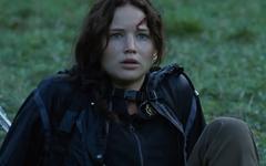 Katniss luego de la muerte de Clove.png