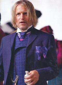 Haymitch luego del desfile.jpg