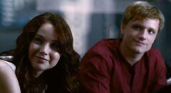Katniss y Peeta en el Capitolio.jpg