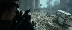 Ciudadanos del Distrito 8 durante el segundo bombardeo.png