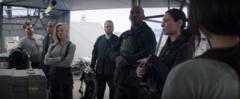 Katniss viendo a su escuadrón.png