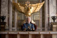 Presidente Snow en su sala principal.jpg