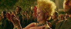 Effie aplaudiendo en el Distrito 13.jpg