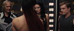 Johanna en el ascensor.png
