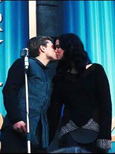 Тур. Поцелуй