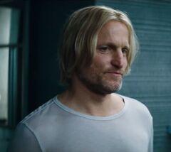 Haymitch despidiéndose.jpg
