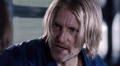 Haymitch dando un consejo.png