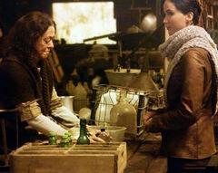Katniss comprando.jpg