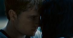 Katniss y Peeta hablando en la arena.png