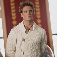 Finnick-Capitol-Couture-600x600