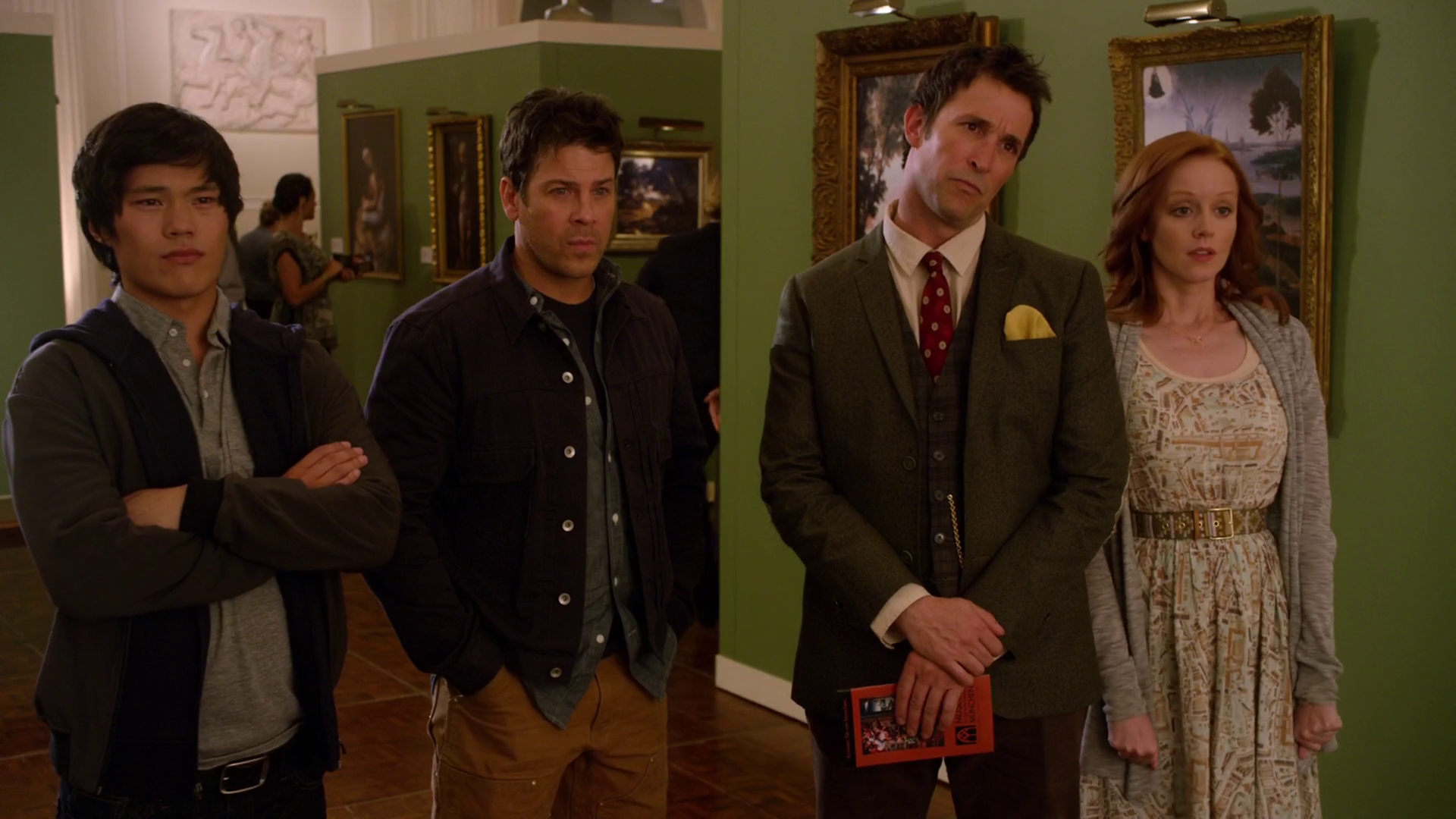 The Librarians looking at the fake Crown of King Arthur painting.png