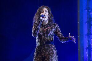 Lorde at the 2017 Glastonbury Festival