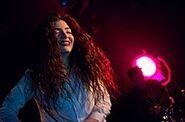 220px-Lorde in Seattle 2013 - 2