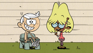 S2E07B Lincoln and Clyde as mom