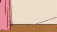 S03E12A Lolas ribbon gets caught