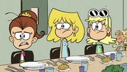 S1E04B Luan, Lori and Leni staring