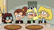 S2E25B Leni and Luan staring at the pizzas