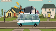 S03E01 Louds driving off