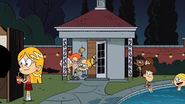 S03E11A Boys sneaking out
