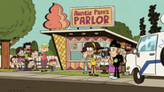 S4E19A News crew at Auntie Pam's parlor