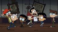 S03E20A Men running