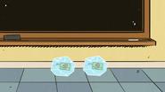 S2E20B Frozen juice boxes
