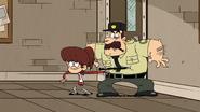 S3E07B Lynn hits a prison guard