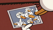 S4E09A The duck misses her family